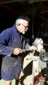 Rolly Munro and his Wundercutt 10 wood turning tool